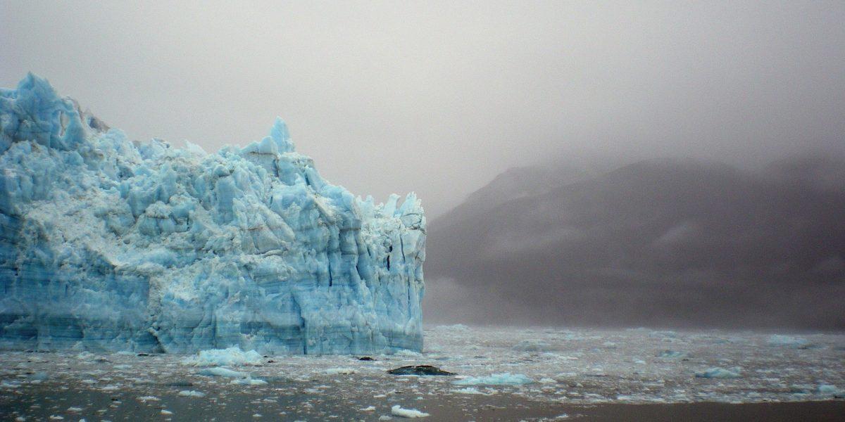 Image: Glacier in Alaska (public domain).